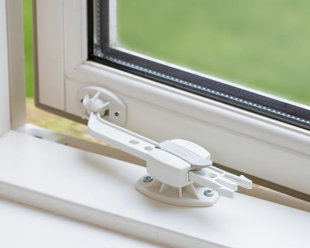 Как сделать чтобы окна открывались в одном месте