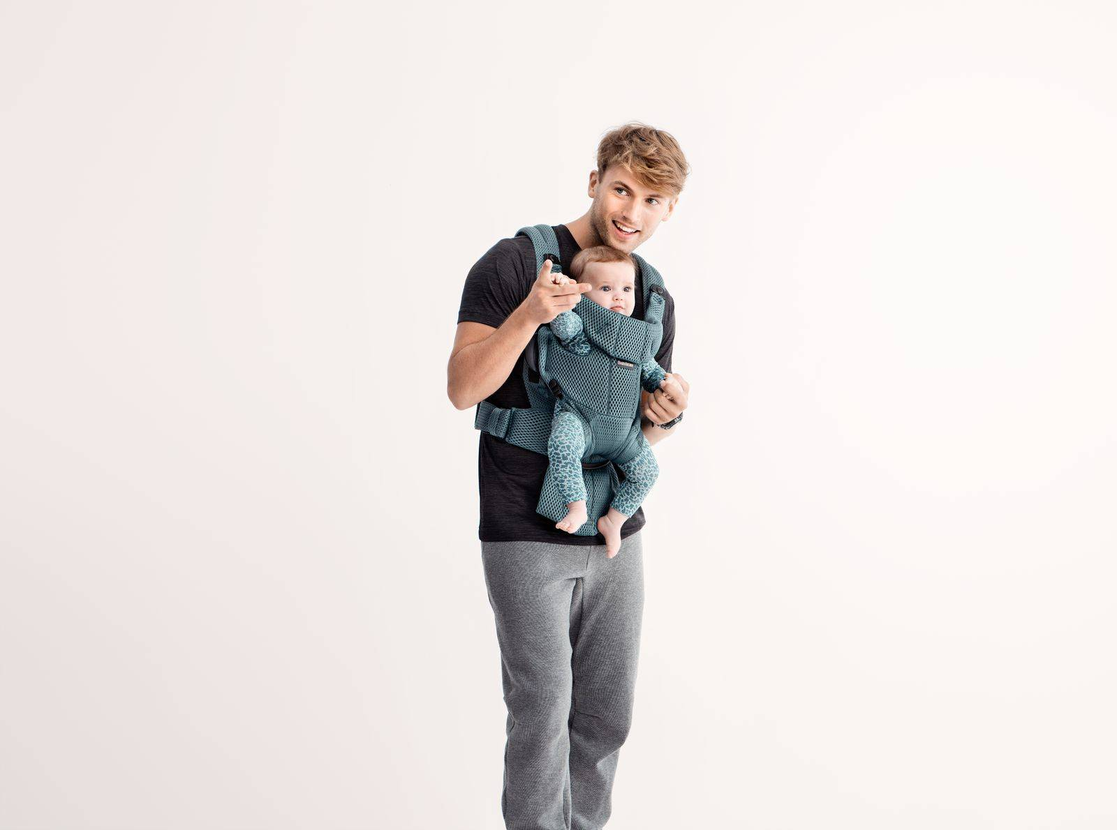 BABYBJÖRN - Baby Carrier Move - Sage green, 3D Mesh