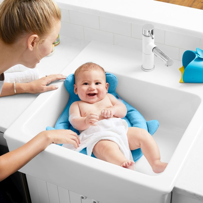 Skip Hop - MOBY SMART SLING™ 3-STAGE BABY TUB, | Scandinavian Baby